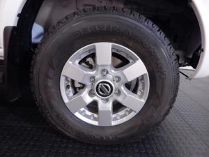 Nissan NP300 Hardbody 2.5TDi double cab Hi-rider - Image 9