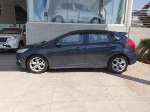 Ford Focus hatch 2.0TDCi Trend - Image 2
