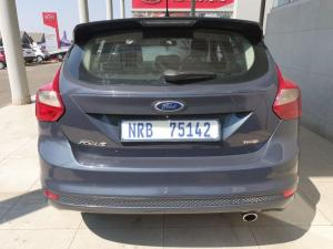 Ford Focus hatch 2.0TDCi Trend - Image 4