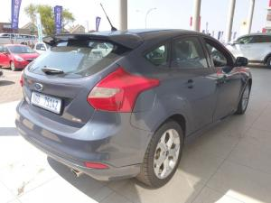Ford Focus hatch 2.0TDCi Trend - Image 5