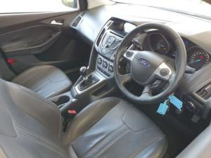 Ford Focus hatch 2.0TDCi Trend - Image 8