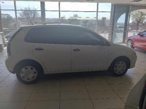 Volkswagen Polo Vivo sedan 1.4 - Image 4