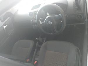 Volkswagen Polo Vivo sedan 1.4 - Image 5