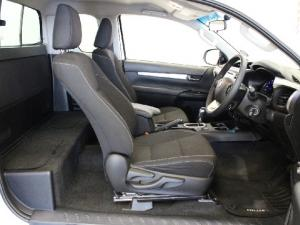 Toyota Hilux 2.8GD-6 Xtra cab Raider auto - Image 12