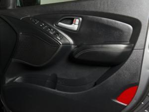 Hyundai iX35 2.0 Elite automatic - Image 14