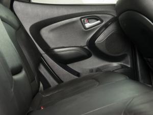 Hyundai iX35 2.0 Elite automatic - Image 16