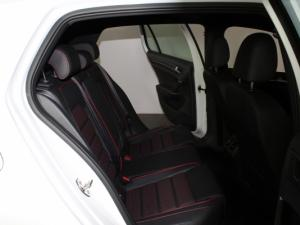 Volkswagen Golf VII GTi 2.0 TSI DSG - Image 13