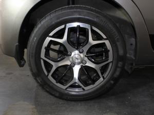 Toyota Yaris 1.3 XS 5-Door - Image 18
