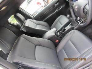 Toyota Hilux 2.8 GD-6 Raider 4X4E/CAB - Image 7