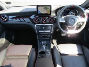 Mercedes-Benz CLA45 AMG - Image 11