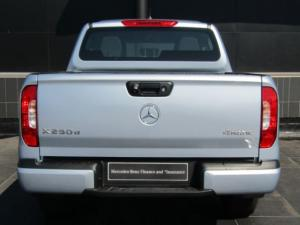 Mercedes-Benz X250d 4X4 Power - Image 4