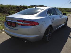 Jaguar XF 2.2D Premium Luxury - Image 4