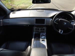 Jaguar XF 2.2D Premium Luxury - Image 8