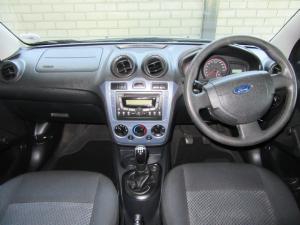 Ford Figo hatch 1.5TDCi Ambiente - Image 8