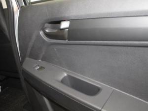 Isuzu KB 250D-Teq double cab LE - Image 7
