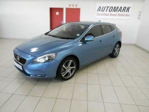 Volvo V40 T3 Momentum Geartronic - Image 3