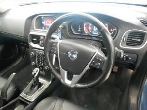 Volvo V40 T3 Momentum Geartronic - Image 6