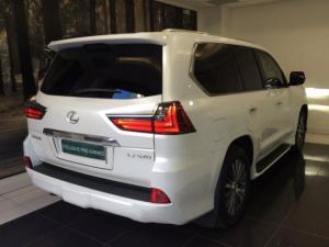 Lexus LX 5.7 V8 - Image 2