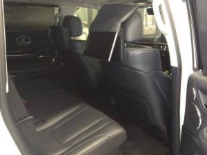 Lexus LX 5.7 V8 - Image 7