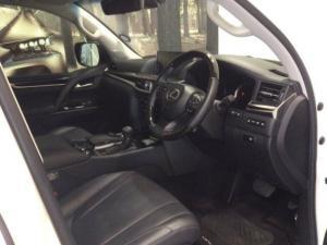 Lexus LX 5.7 V8 - Image 8
