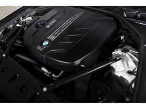 BMW 5 Series 520d - Image 11