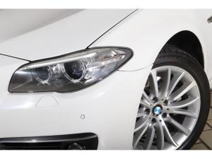 BMW 5 Series 520d - Image 4
