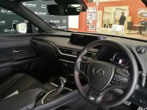 Lexus UX 200 F-Sport - Image 4