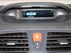 Renault Megane III 1.6 Shake IT! 5-Door - Image 19