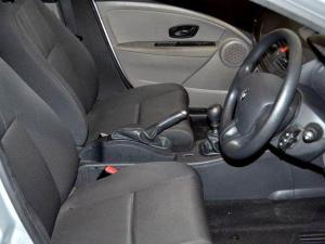 Renault Megane III 1.6 Shake IT! 5-Door - Image 6