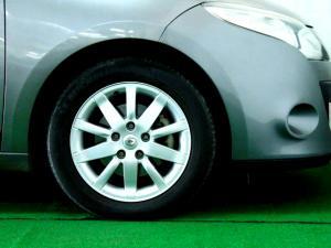 Renault Megane III 1.6 Shake IT! 5-Door - Image 8