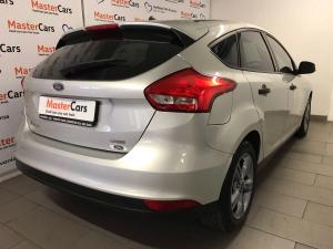 Ford Focus 1.0 Ecoboost Ambiente automatic 5-Door - Image 10