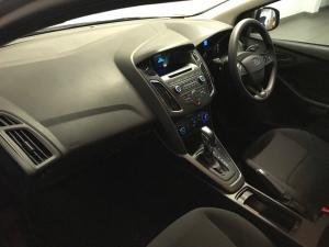 Ford Focus 1.0 Ecoboost Ambiente automatic 5-Door - Image 8