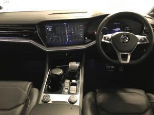 Volkswagen Touareg 3.0 TDI V6 Luxury - Image 10