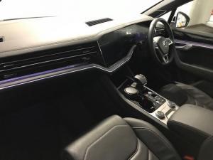Volkswagen Touareg 3.0 TDI V6 Luxury - Image 15