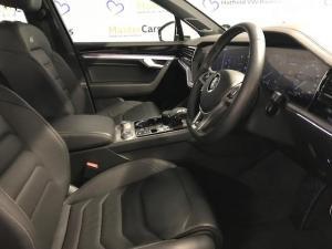 Volkswagen Touareg 3.0 TDI V6 Luxury - Image 5