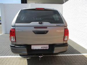 Toyota Hilux 2.4 GD-6 RB SRX automaticD/C - Image 4