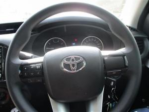 Toyota Hilux 2.4 GD-6 RB SRX automaticD/C - Image 7