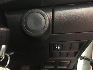 Toyota Hilux 2.4GD (aircon) - Image 15