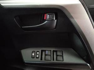 Toyota RAV4 2.0 GX auto - Image 17