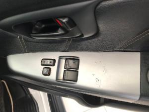 Toyota Hilux 3.0D-4D 4x4 Raider Legend 45 - Image 12