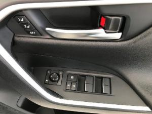 Toyota RAV4 2.5 AWD VX - Image 13