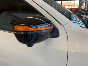 Nissan Navara 2.3D Stealth automatic D/C - Image 8