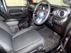 Jeep Wrangler Sahara 3.6 V6 2-Door - Image 11