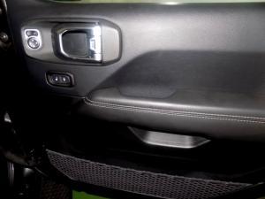 Jeep Wrangler Sahara 3.6 V6 2-Door - Image 18