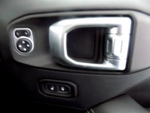 Jeep Wrangler Sahara 3.6 V6 2-Door - Image 19