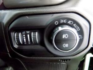 Jeep Wrangler Sahara 3.6 V6 2-Door - Image 24