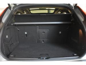 Volvo XC60 D5 AWD Momentum - Image 14