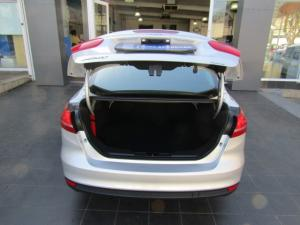 Ford Focus sedan 1.0T Ambiente - Image 5