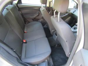Ford Focus sedan 1.0T Ambiente - Image 7