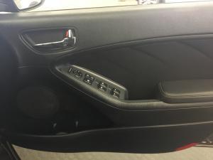 Kia Cerato 2.0 SX 5-Door - Image 21